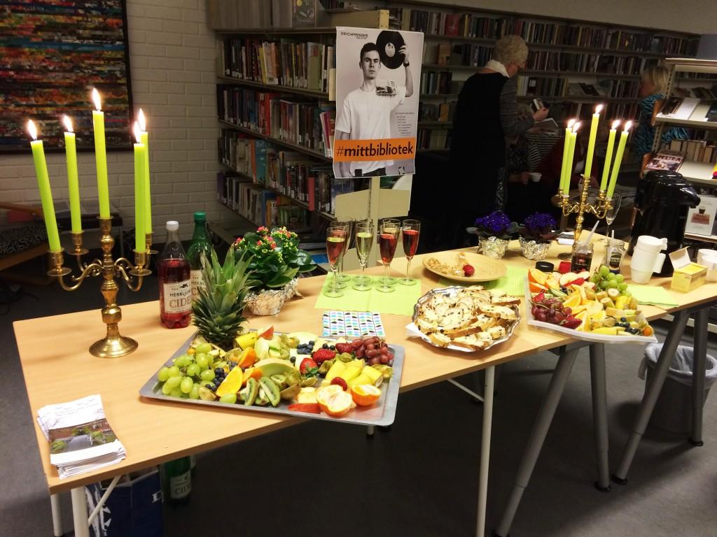 Et hyggelig bord var satt fram til gjestene.